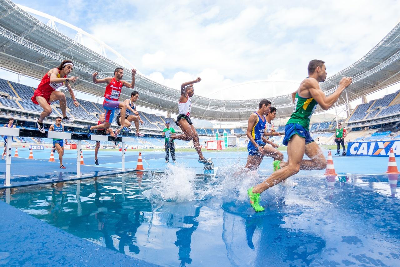 water-sport-splash-swimming-pool-runner-leisure-180869-pxhere.com