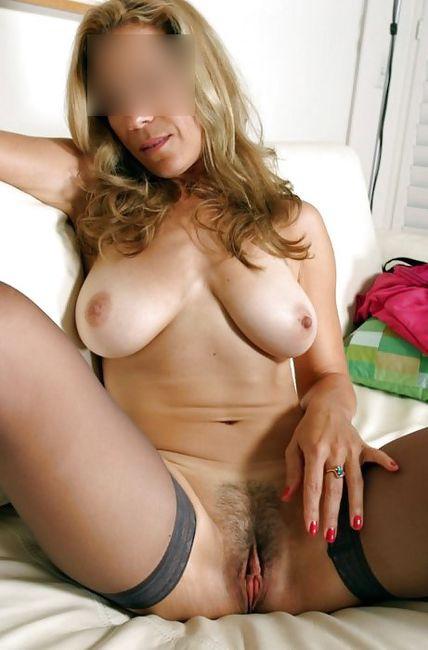Une partie de plaisir hot avec une cougar célibataire ?