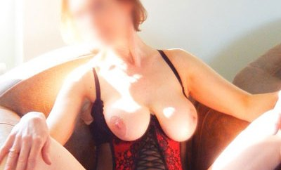 Cochonne et bouillante pour rencontre cam + sexe réel